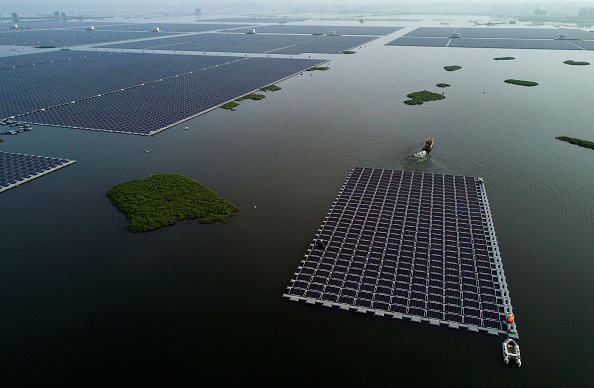 Sun「Floating Solar Aims to Gain Ground in China's Coal Country」:写真・画像(16)[壁紙.com]