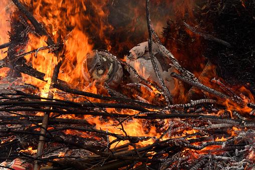 お正月「Dondoyaki(burning of New Years decoration)」:スマホ壁紙(3)