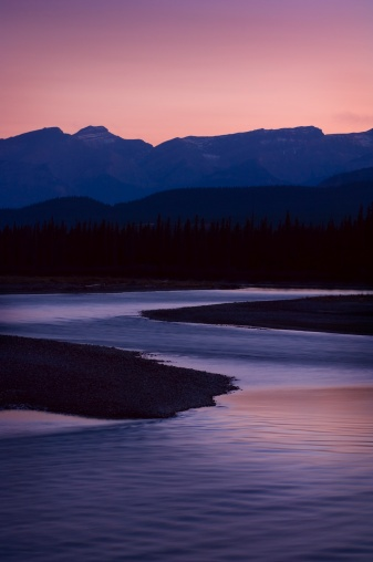 Athabasca River「Mountain sunset over Athabasca River  」:スマホ壁紙(11)