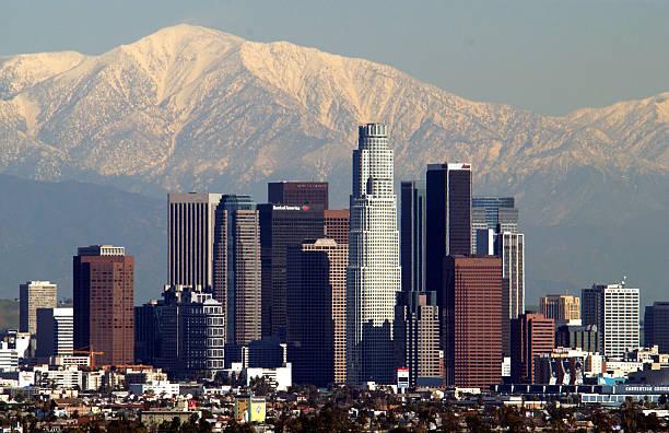 Storm Leaves Snowy Backdrop for Los Angeles:ニュース(壁紙.com)