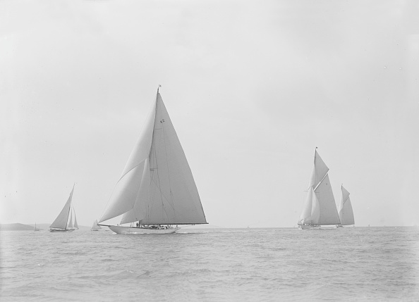 Cutting「In The Foreground The 23-Metre Cutter Astra Sailing On A Reach」:写真・画像(11)[壁紙.com]
