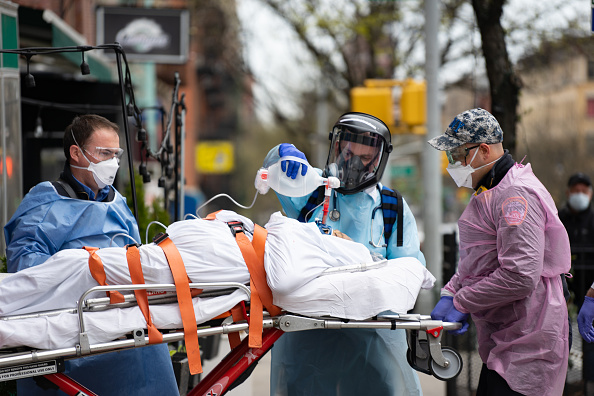 Emergency Services Occupation「Coronavirus Pandemic Causes Climate Of Anxiety And Changing Routines In America」:写真・画像(5)[壁紙.com]