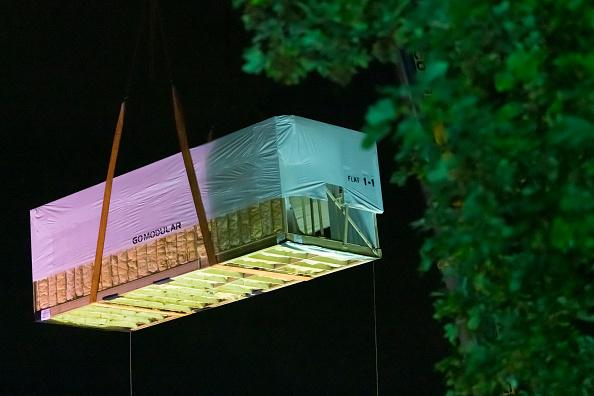 Housing Development「Modular Home Lifted Into Bristol's Park Street」:写真・画像(14)[壁紙.com]
