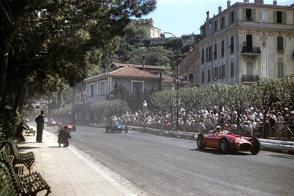 モナコ公国「Eugenio Castellotti, Harry Schell, Juan Manuel Fangio, Grand Prix Of Monaco」:写真・画像(18)[壁紙.com]