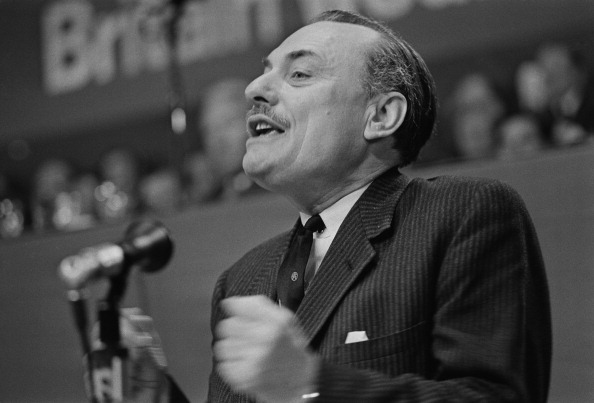 William Lovelace「Enoch Powell」:写真・画像(2)[壁紙.com]
