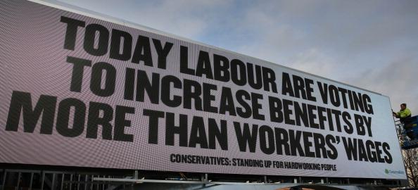 Information Medium「Conservative Sponsored Billboard Ahead Of A Vote On Benefit Cuts」:写真・画像(18)[壁紙.com]