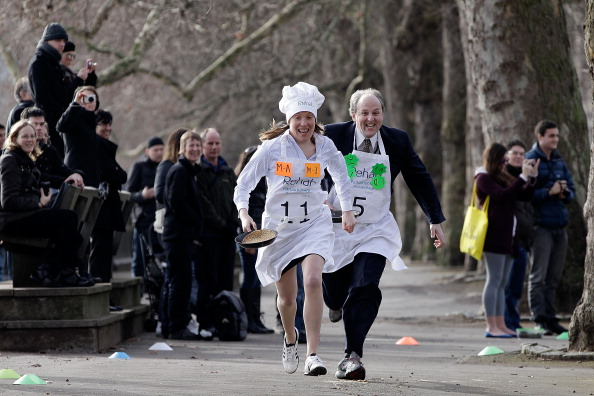 Recovery「The Annual Parliamentary Pancake Race」:写真・画像(3)[壁紙.com]