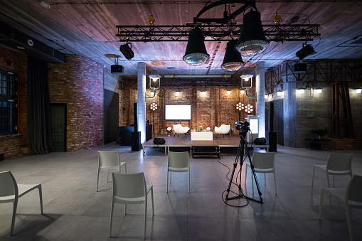 New Business「Modern seminar space in convention center」:スマホ壁紙(2)