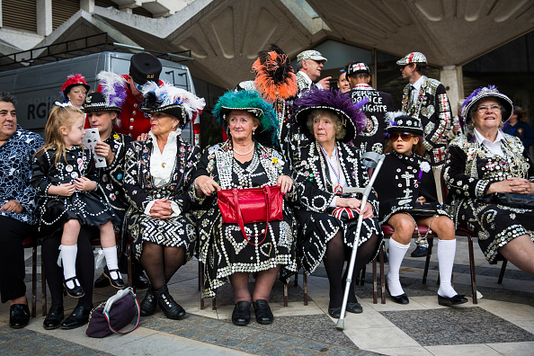 お祭り「Harvest Festival Is Celebrated By London's Pearly Kings And Queens」:写真・画像(18)[壁紙.com]