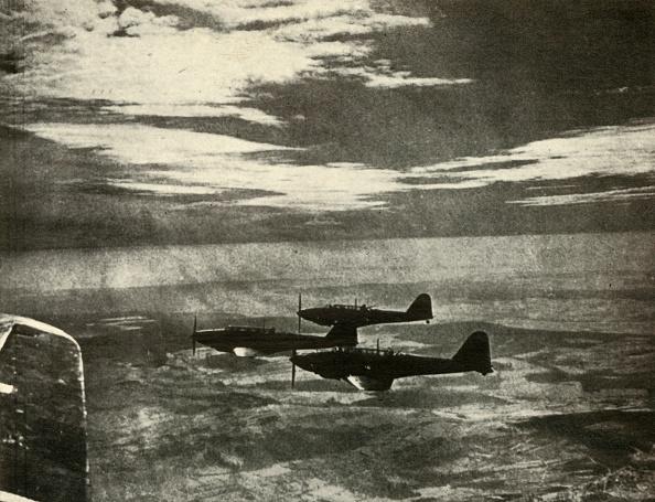 Air Force「Battles Returning From A Raid」:写真・画像(0)[壁紙.com]