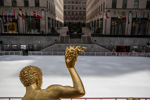Ice Rink「Businesses Close Stores Nationwide In Response To Coronavirus Pandemic」:写真・画像(13)[壁紙.com]