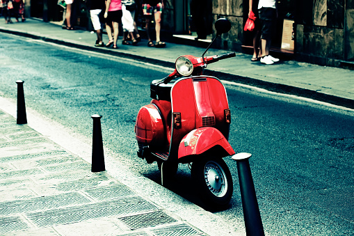 Old Town「Red scooter parked on an Italy street」:スマホ壁紙(16)