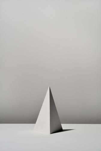 Pyramid Shape「White Triangular pyramid on white background」:スマホ壁紙(12)