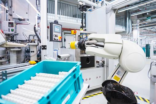 メカ「Assembly robot in factory」:スマホ壁紙(15)