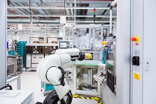 Innovation「Assembly robot in factory」:スマホ壁紙(14)