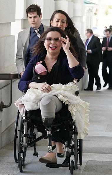 政治と行政「Sen. Tammy Duckworth Brings New Baby To Work After New Senate Law Passes」:写真・画像(16)[壁紙.com]