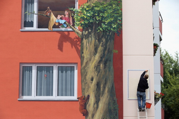 Apartment「Facade Artists To Perhaps Break Guiness Record」:写真・画像(6)[壁紙.com]