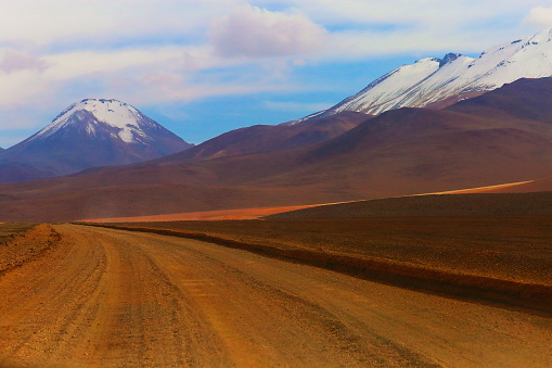 Bolivian Andes「Dirt road to Atacama Desert -  Volcanic landscape, Bolivian Andes – Bolivia」:スマホ壁紙(11)