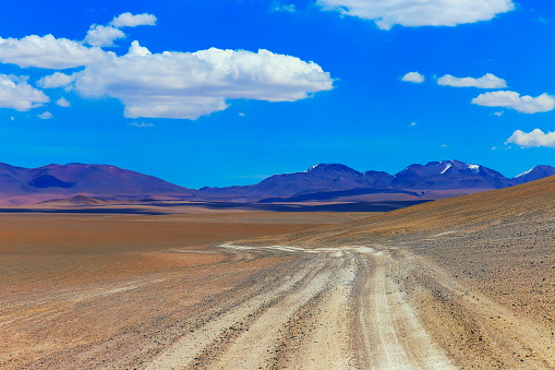 Atacama Region「Dirt Road to Atacama Desert  – dramatic volcanic landscape –  Chile」:スマホ壁紙(4)