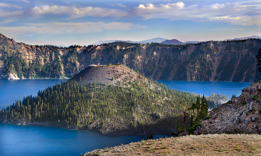 Crater Lake National Park「Wizard Island in Crater Lake」:スマホ壁紙(8)