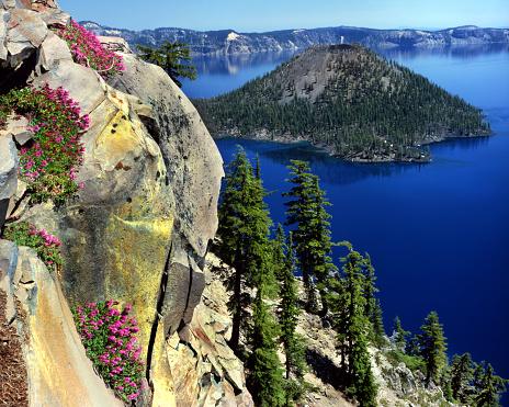 Basalt「Wizard Island and Crater Lake」:スマホ壁紙(19)