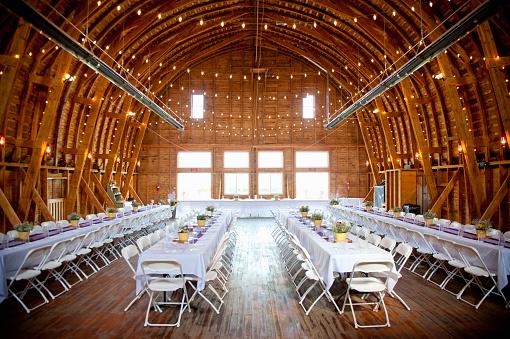 Order「barn interior set up for a wedding reception」:スマホ壁紙(1)
