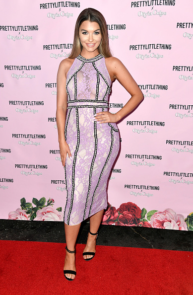 Smiling「PrettyLittleThing X Olivia Culpo Launch - Arrivals」:写真・画像(11)[壁紙.com]