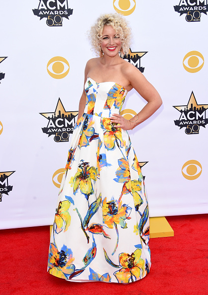 T 「50th Academy Of Country Music Awards - Arrivals」:写真・画像(12)[壁紙.com]