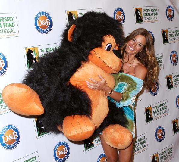 Dian Fossey「2010 Celebrity Skee Ball Tournament」:写真・画像(8)[壁紙.com]