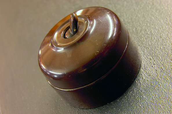 Light Switch「Antique light switch in bakelite」:写真・画像(1)[壁紙.com]