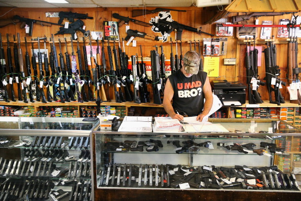USA「Supreme Court Rules Gun Purchasers Must Report If Buying Guns For Other People」:写真・画像(14)[壁紙.com]