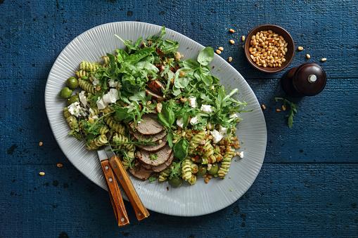 Pine Nut「Summer pasta salad with peas pesto and roasted pork」:スマホ壁紙(19)