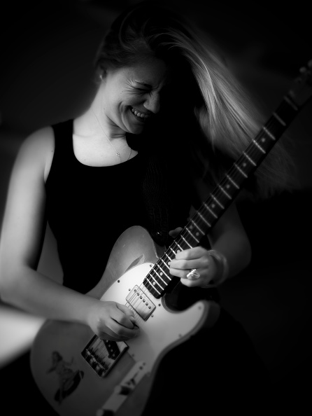 Electric Guitar「Joanna Shaw Taylor, 2011」:写真・画像(14)[壁紙.com]