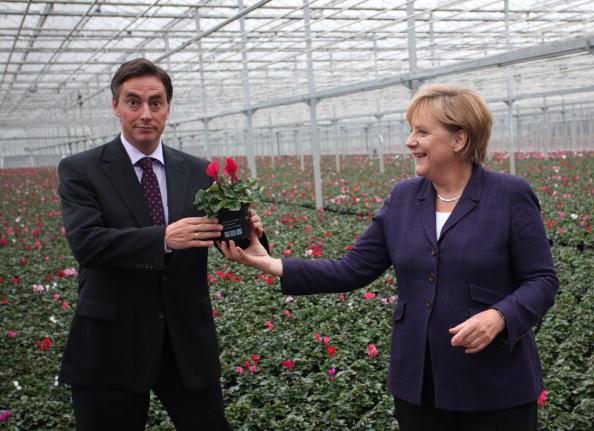 Journey「Merkel Tours Energy Production Site」:写真・画像(9)[壁紙.com]