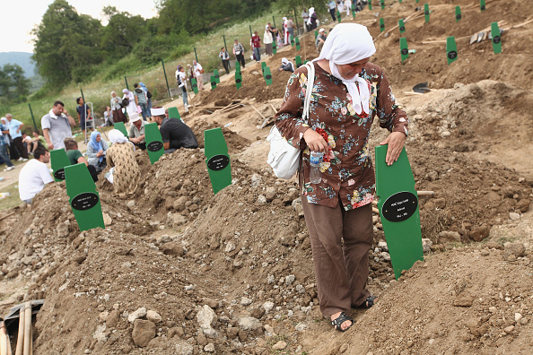 Mass Murder「Mass Burial Of More Srebrenica Massacre Victims」:写真・画像(14)[壁紙.com]