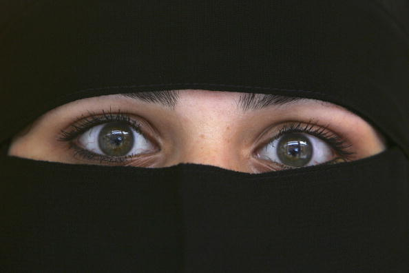 Religious Dress「Muslim Anger At Ministers Call To Lift Veil」:写真・画像(19)[壁紙.com]