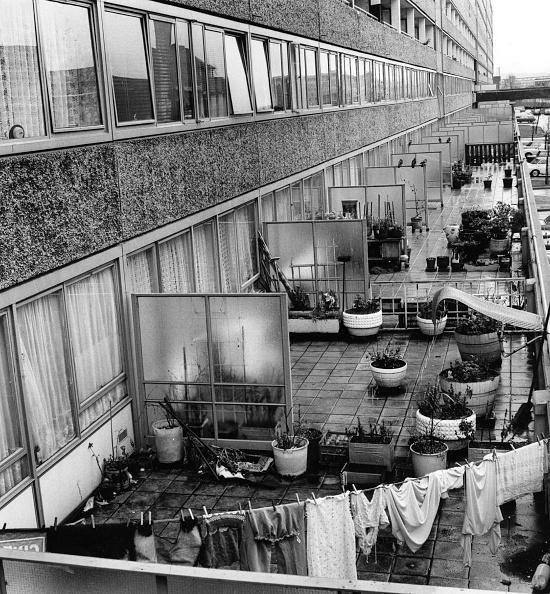 In A Row「Aylesbury Estate」:写真・画像(6)[壁紙.com]