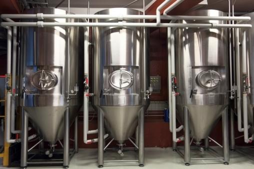 Microbrewery「Fermentation Tanks In a Micro Brewery」:スマホ壁紙(6)