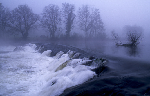 Camino De Santiago「Tambre river in winter a foggy day Galicia Spain」:スマホ壁紙(13)