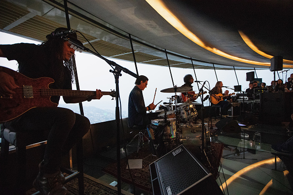 Lithium「Alice In Chains Performs For SiriusXM's Lithium Channel At The Space Needle In Seattle」:写真・画像(1)[壁紙.com]