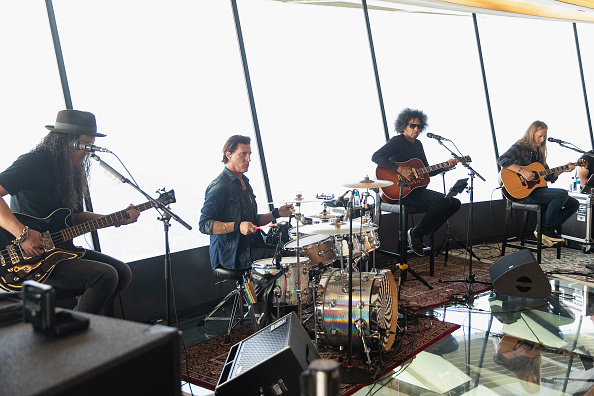 Lithium「Alice In Chains Performs For SiriusXM's Lithium Channel At The Space Needle In Seattle」:写真・画像(13)[壁紙.com]