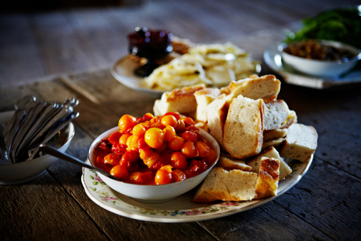 Picnic Table「Bowl of pickled cherry tomatoes with slices bread」:スマホ壁紙(16)