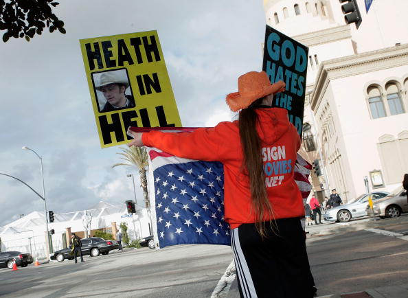 WBC「WBC Protests SAG Awards」:写真・画像(17)[壁紙.com]