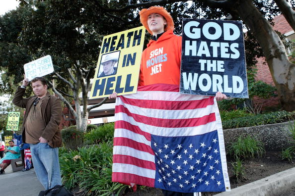 WBC「WBC Protests SAG Awards」:写真・画像(1)[壁紙.com]