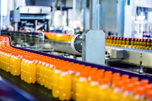 Juice - Drink「Bottles on Conveyor Belt in Factory」:スマホ壁紙(17)