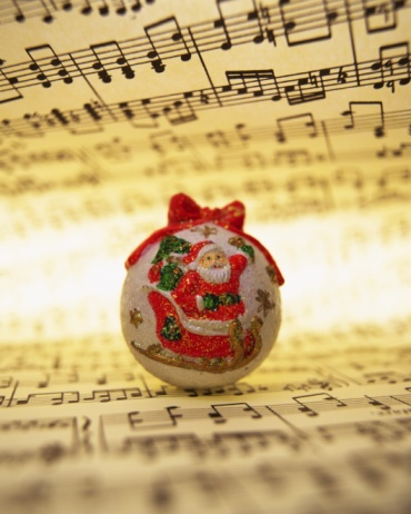 Sled「Ball with paint of Santa Claus on sheet music, front view」:スマホ壁紙(1)