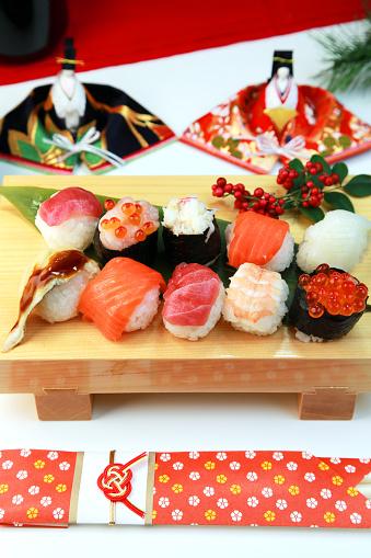 ひな祭り「Temari sushi」:スマホ壁紙(1)
