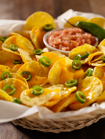 Salsa Sauce「Nachos with Cheese Sauce, Jalapenos and Salsa」:スマホ壁紙(18)