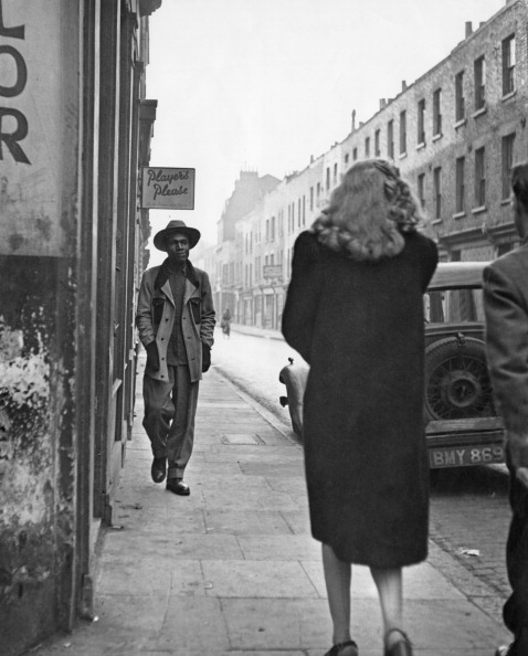 Fred Ramage「Seaman On Cable Street」:写真・画像(8)[壁紙.com]