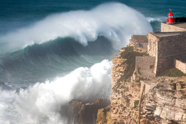 Biggest Wave In The World, Nazare, Portugal:スマホ壁紙(壁紙.com)